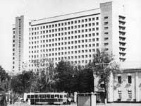 учебный корпус №10 в начале 80-х