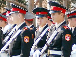 В Приморье 18 пятиклашек получили на 1 сентября погоны