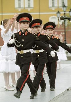 Перемены в Суворовских училищах вызвали острую дискуссию