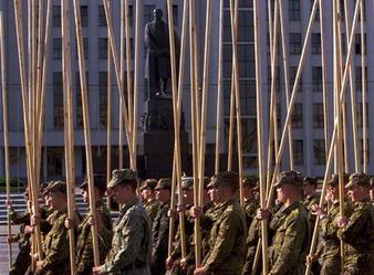 Курсанты военных вузов заплатят при отчислении до 23 тыс. долларов