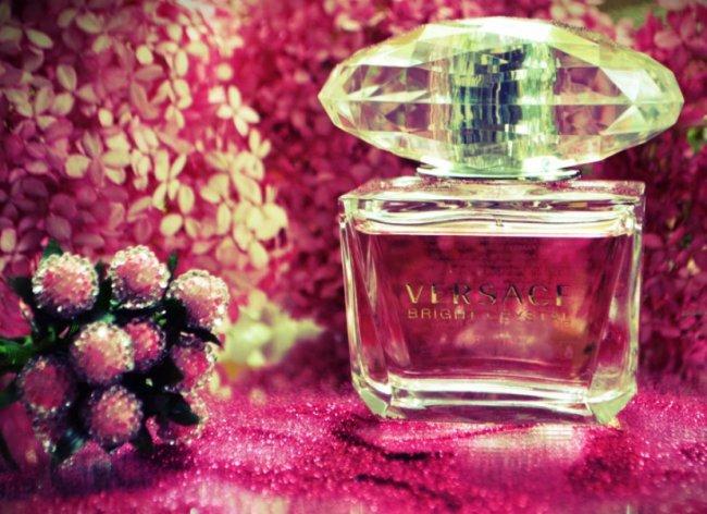 Неповторимый аромат Versace Bright Crystal
